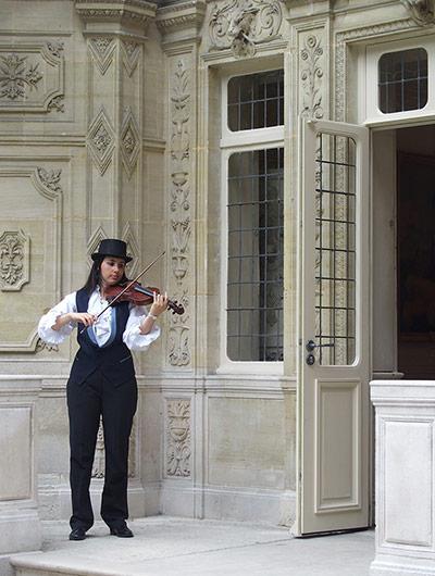 Violoniste au château de Monte-Cristo